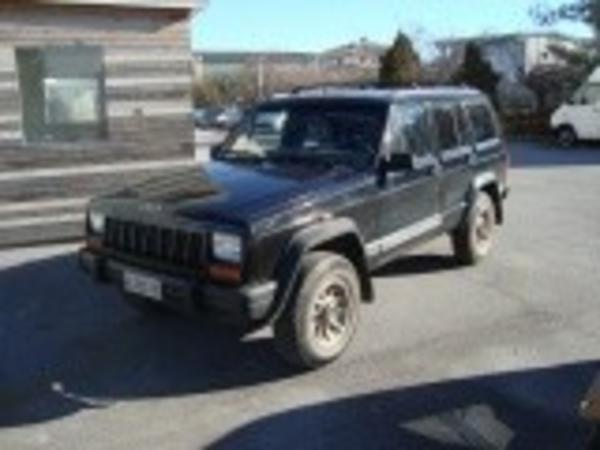 6#4229 Autovettura Jeep Cherokee 2.5 TD Command Trac