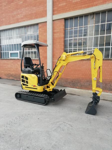 1#4230 Mini escavatore New Holland E18SR