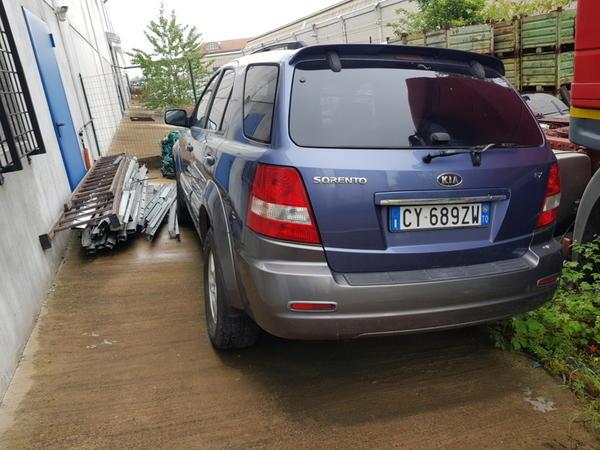 1#4237 Automobile Kia Sorento