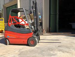 Linde electric forklift - Lot 6 (Auction 4242)