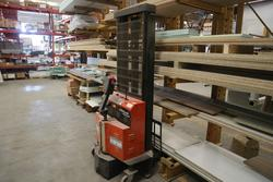 Trolleys and pallet trucks - Lote 14 (Subasta 4244)