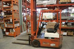 Toyota forklift - Lot 15 (Auction 4244)