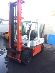 Nissan FD 30 forklift - Lot 5 (Auction 4245)