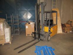 Jungheinrich forklift and manual pallet trucks - Lot 1 (Auction 4248)