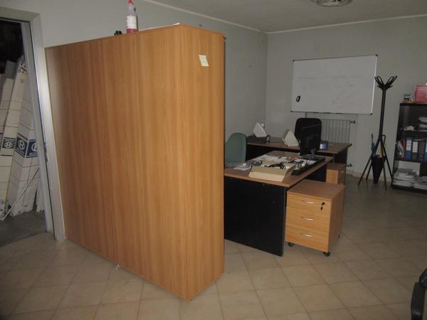 11#4248 Arredi e attrezzature da ufficio