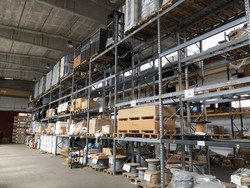 Shelving and electronic equipment for telecommunications - Lot 0 (Auction 4251)