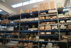 Magazzino di prodotti finiti di ferramenta e materiale elettrico
