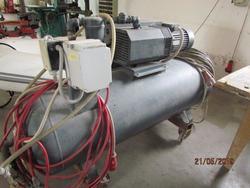 Vacuum pump with tank - Lot 4 (Auction 4280)