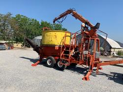 Iveco 190 42 truck and Caravaggi Bio Mille shredder - Lot  (Auction 4314)