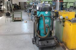 CFM aspirator trolley and workbench - Lot 18 (Auction 4318)