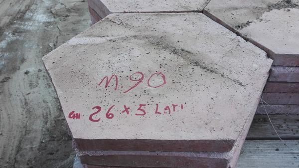 Immagine n. 1 - 6#4319 Piastrelle in cemento da giardino