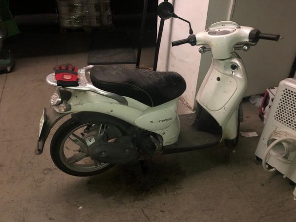 3#4320 Ciclomotore Aprilia Scarabeo