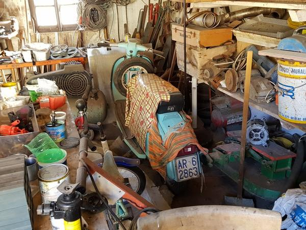 2#4322 Lambretta con targa radiata
