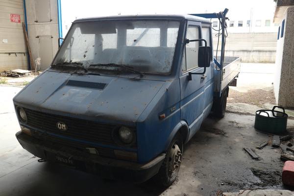 2#4332 Autocarro Fiat OM 35