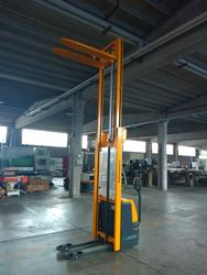 Jungheinrich EJC 112 electric pallet truck - Lot 5 (Auction 4333)