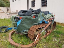 New Holland tracked agricultural tractor - Lot 102 (Auction 4335)