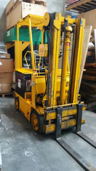 11#4345 Carrello elevatore elettrico Cesab Eco D 16.1