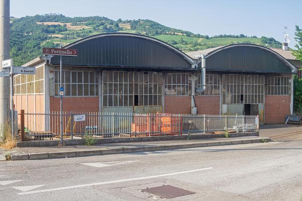1#4351 Azienda dedita a produzione e commercio di carpenteria metallica