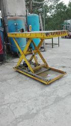 Remote controlled hydraulic bench - Lot 1 (Auction 4358)
