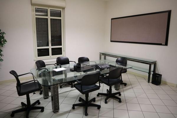 10#4363 Arredo e attrezzature ufficio