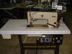 Macchina per cucire Pfaff 487 G-900 - Lotto 23 (Asta 4374)