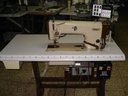 Sewing machine Pfaff 487 G 900 - Lot 23 (Auction 4374)
