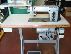 Sewing machine Durkopp 272 140042 - Lot 28 (Auction 4374)