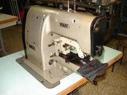 Sewing machine Pfaff 3337 - Lot 35 (Auction 4374)