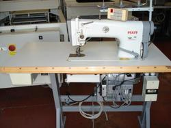 Sewing machine Pfaff 487 900 - Lot 5 (Auction 4374)