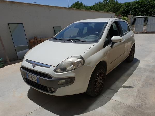 19#4375 Autovettura Fiat Punto