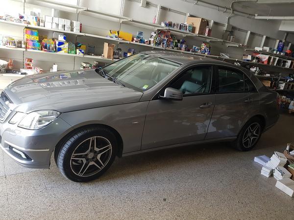 11#4385 Autovettura Mercedes E 200