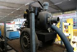 Pumps with petrol engine - Lot 10097 (Auction 4390)