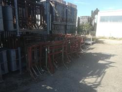 Scaffolding stands - Lot 50007 (Auction 4390)