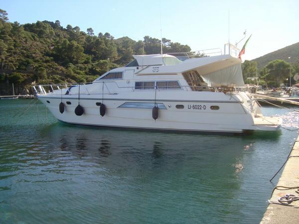 1#4403 Imbarcazione a motore con fly Hi Star Marine 52