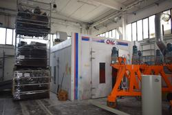 CMC paint booth and Linde electric forklift - Lote  (Subasta 4407)