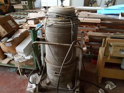 FC bench saw and CFM industrial vacuums - Lot 18 (Auction 4410)