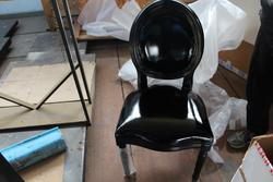 Leather chairs and lamps - Lot 43 (Auction 4410)