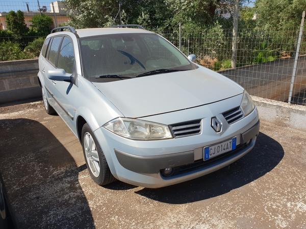 6#4413 Autovettura Renault Megane