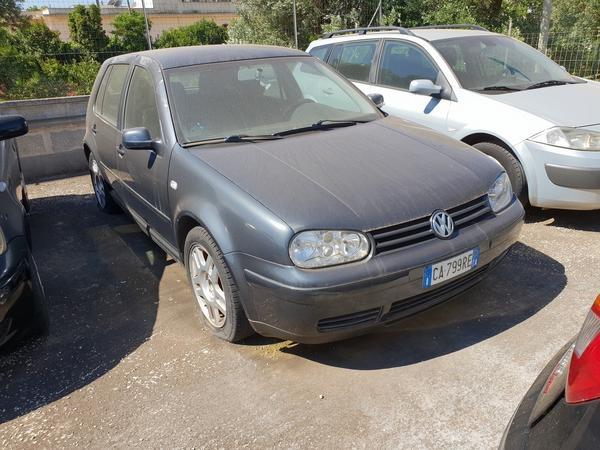 7#4413 Autovettura Volkswagen Golf