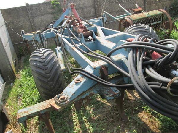 28#4419 Attrezzatura agricola estirpatore A. Spiedo