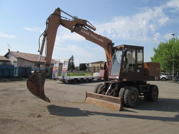 4#4419 Escavatore gommato case Pocalin 61P