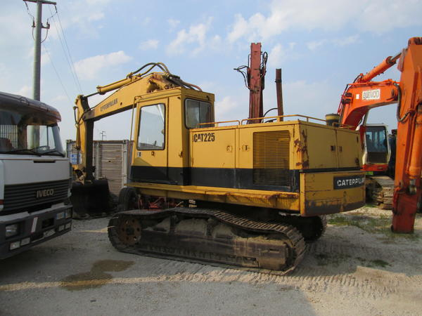 6#4419 Escavatore cingolato Caterpillar 225