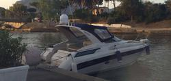Regal Marine Commodore 322 Motor Boat - Auction 4428