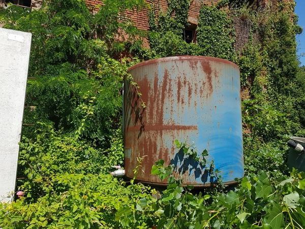 Immagine n. 2 - 7#4446 Silos per olio idraulico Aragona