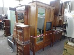 Armadi e mobili in legno - Lotto 0 (Asta 44530)