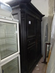 Wooden wardrobe - Lot 1 (Auction 44530)