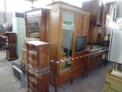 Furniture - Lot 16 (Auction 44530)