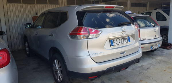 7#4464 Autovettura Nissan Xtrail