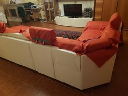 Corner sofa and home furnishings - Lot  (Auction 4470)