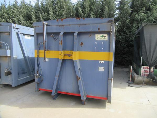 26#44740 Container scarrabile Locatelli con coperchio